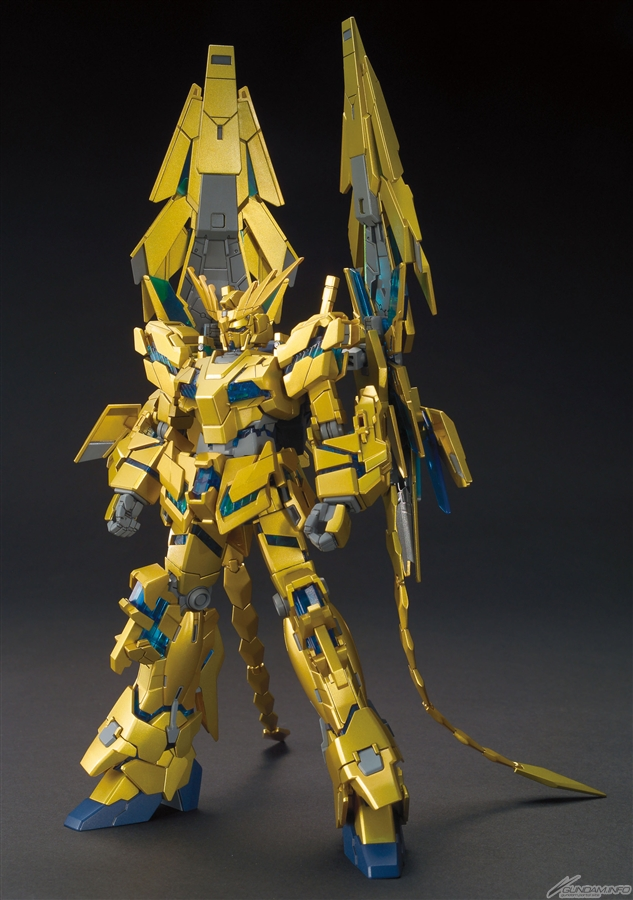 Gundam Narrative model Bandai.jpg